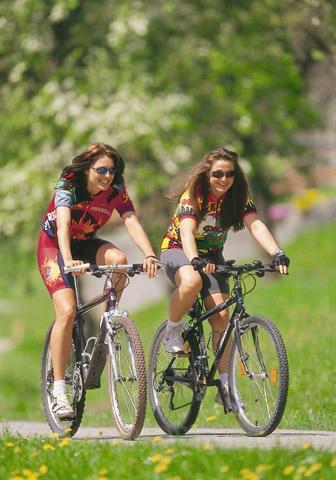 Fahrradfahren auf dem Adalbert-Stifter-Radweg